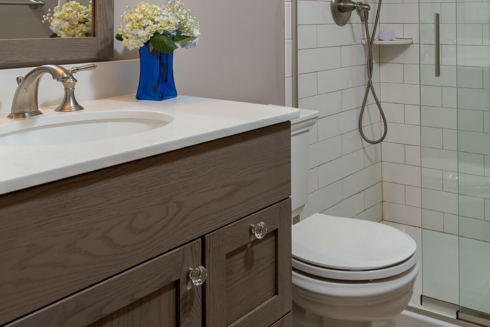 Bathroom Remodel With Custom Cabinets - Hinman Construction