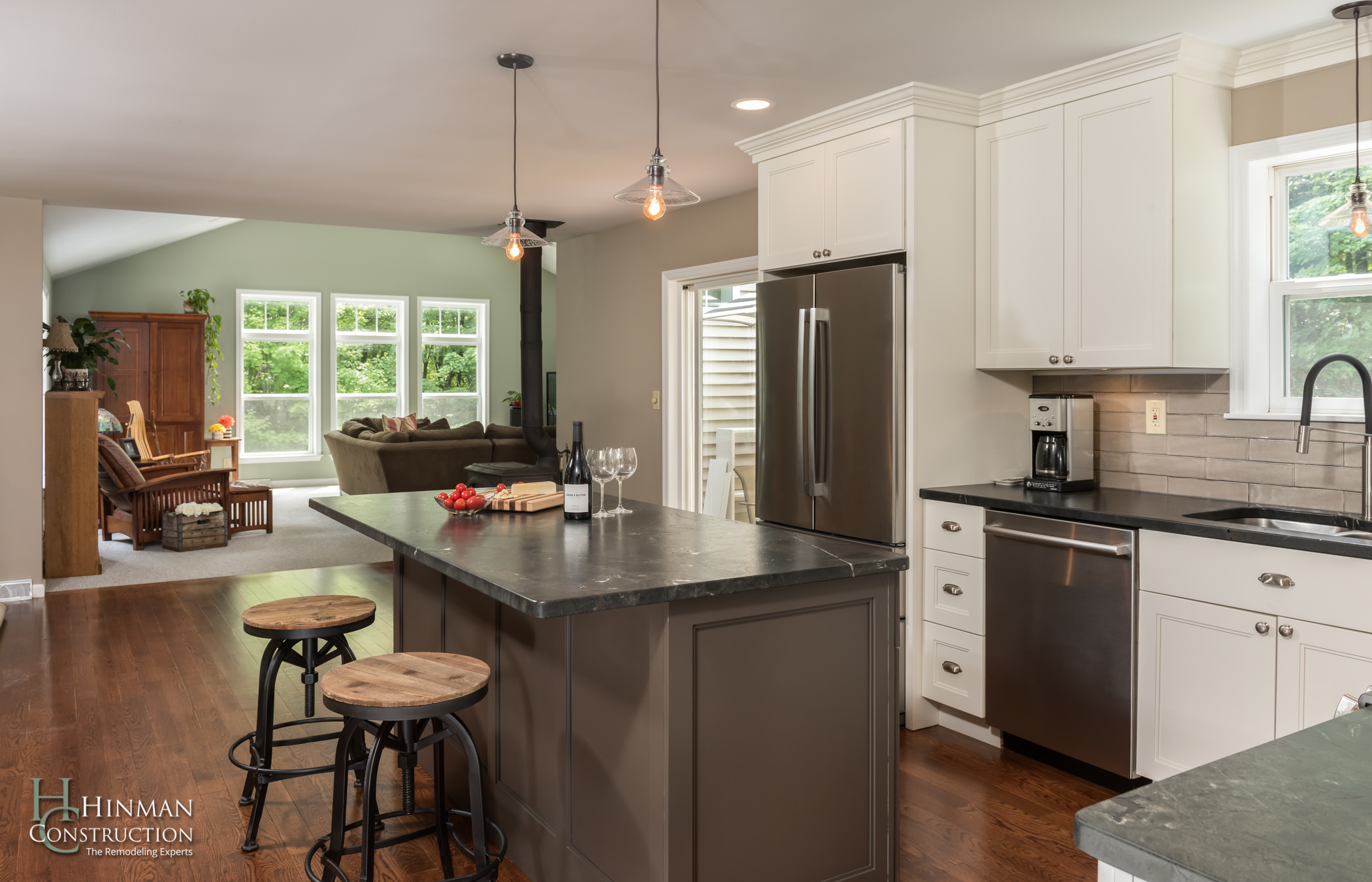 Modern Farmhouse Kitchen - Hinman Construction
